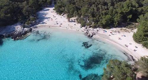 Cala en Turqueta, Menorca, a vista de Dron