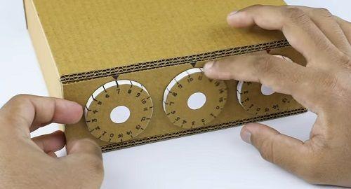Caja SECRETOS de cartón con CERRADURA de SEGURIDAD
