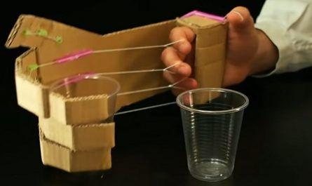 cartón, papel, origami, papiroflexia, manualidad, mano, robot, manos, canalmenorca.com