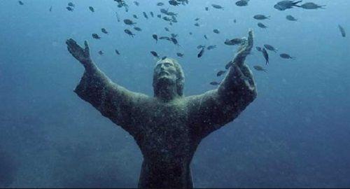El Cristo del Abismo, San Fructuoso, Italia.