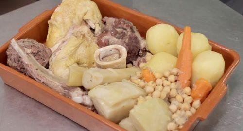 Cómo cocinar un «Brou Menorquí» (Caldo Menorquín) Ca n'Aguedet