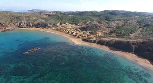 Playa de CAVALLERÍA, Es Mercadal
