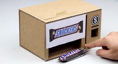 Expendedor de Chocolatinas de cartón