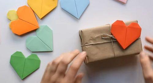 cartón, papel, origami, papiroflexia, manualidad, mano, papelisimo, decoración, DIY, corazón, marcador, libros, san valentín, tarjeta, canalmenorca.com