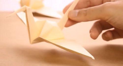 cartón, papel, origami, papiroflexia, manualidad, mano, grulla, papelisimo, ecoración, DIY, bodas, Sadako, Hiroshima, Guerra, canalmenorca.com