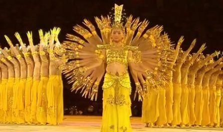 vídeos asombrosos, vídeos increíbles, pasmoso, sorprendente, admirable, fascinante, mágico, milagroso, portentoso, prodigioso, sobrehumano, increíble, fenomenal, sensacional, estupendo, extraordinario, desconcertante, Saman, danza, mil manos, indonesia, étnico, Gayo Lues, Aceh, Sumatra, bailarines, Guan Yin Shi, Diosa Budista, Misericordia, Juegos Paralímpicos, Beijing, Paz, canalmenorca.com