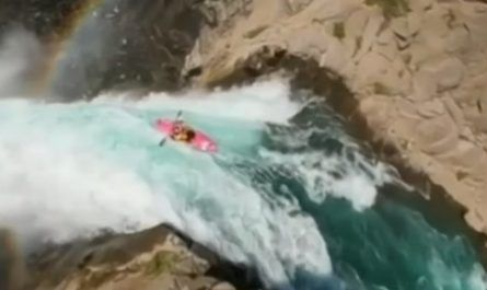 vídeos asombrosos, vídeos increíbles, pasmoso, sorprendente, admirable, fascinante, mágico, milagroso, portentoso, prodigioso, sobrehumano, increíble, fenomenal, sensacional, estupendo, extraordinario, desconcertante, cascada, salto, kayak, Valle, Cóndores, Chile, San Clemente, canalmenorca.com