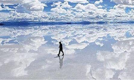 Vídeos increíbles, lugares maravillosos, naturaleza, viajar, explorar, aventura, Salar de Uyuni, Los Andes, Bolivia, Lago Prehistórico, paisaje desértico, sal blanca brillante, formaciones rocosas, islas cactus, isla incahuasi, flamencos rosa, canalmenorca.com