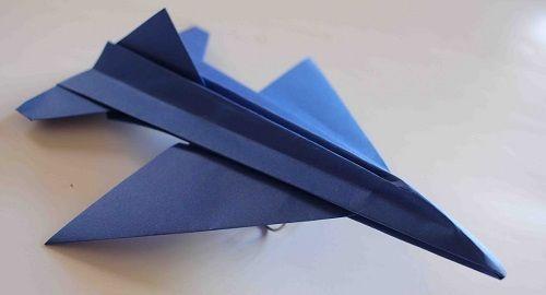 cartón, papel, hoja, doblar, origami, papiroflexia, manualidad, mano, juguete, avión, papel, f16, volar, canalmenorca.com