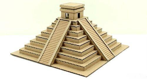 Templo Maya en Miniatura de Cartón