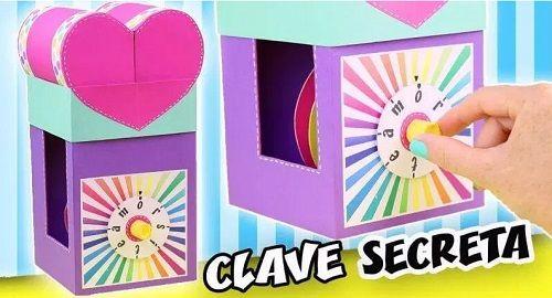 Corazón Regalo de Cartón con Ruleta Clave Secreta