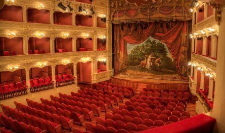 Teatro Principal Mahón, Maó, ópera, Giovanni Palagi, Forma Herradura, Clásico, Muralla, Diseño, Acústica, canalmenorca.com