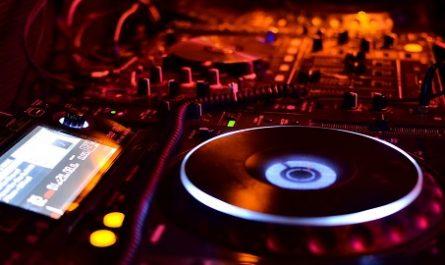 Wargrat, Isidoro, Música, Mejores Canciones, Años 90, MUSIC AND ROCK, CHEMARTACO 2017-2020, MP3, WAV, AIFF, AU, FLAC, MPEG-4 SLS, MPEG-4 ALS, MPEG-4 DST, WavPack, Shorten, TTA, ATRAC, Apple Lossless WMA Lossless, ape Monkey's Audio, Comprar Música, Comprar Mp3, Comprar Vinilo, Comprar Música Digital, Streaming, canalmenorca.com