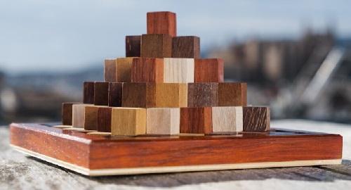 Pirámide Escalonada: ¿Sabrías Construirla?