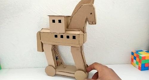 Cómo hacer un CABALLO de TROYA con cartón