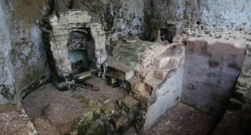 NINFEO o FUENTE Romana de Cala Figuera, Menorca
