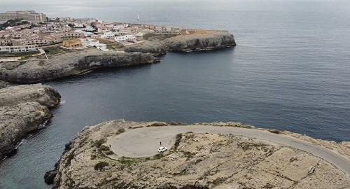 Urbanización Cala'n Blanes, Ciutadella, Menorca, desde Drone