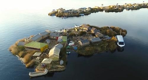ISLAS FLOTANTES de los UROS, Lago Titicaca, Perú