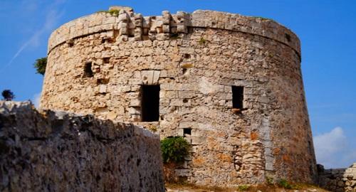 TORRE defensiva d'en PENJAT, Cala Sant Esteve, Menorca