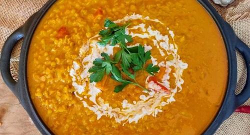 Curry Tailandés de Lentejas Rojas y Coco